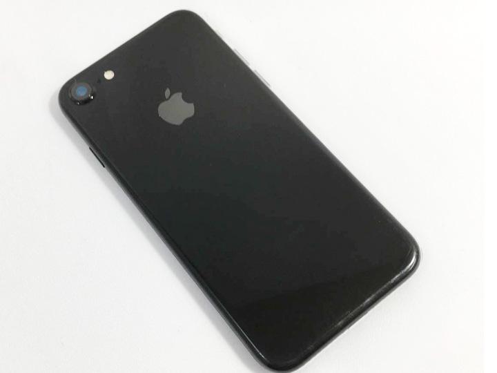 iPhone買取事例:iPhone7 ジェットブラック 128Mb